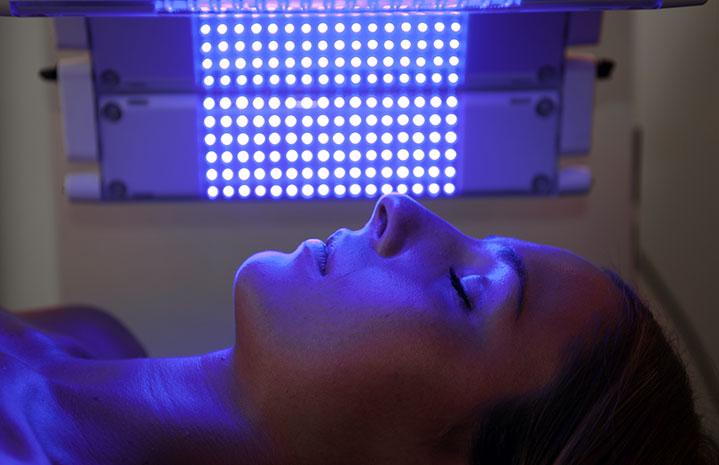 Lumière bleue laser à Montpellier - Dr Fournier